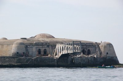 Fort_on_the_bay___1_.jpg