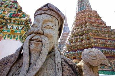 Wat Po statue
