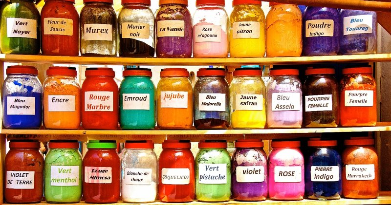 Colourful powders
