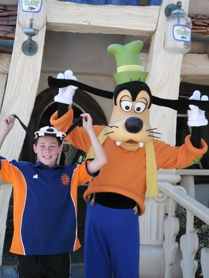 Which one is goofy?