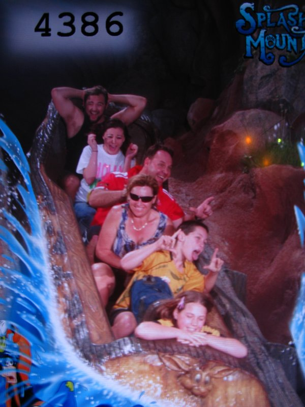 Splash Mountain & the Robbos