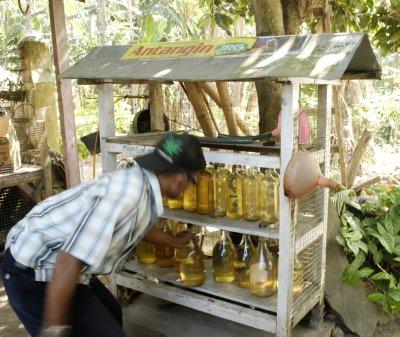 emergancy petrol stop - lombok