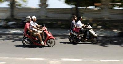 kuta scooter blur