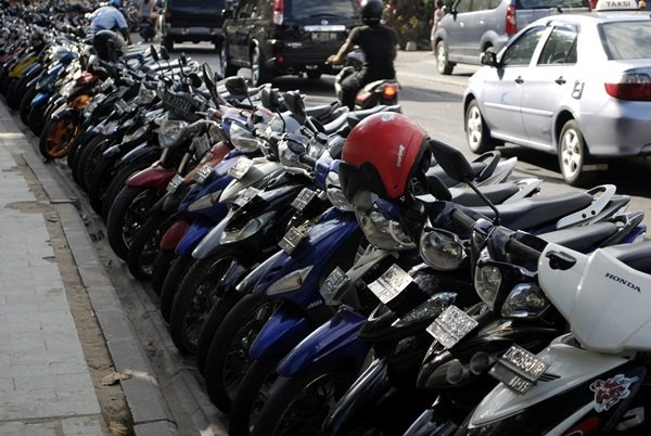 line of kuta scooters