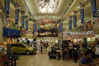 manteram shopping mall - Lombok