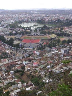 Tana vue du Rova, Lac Anosy et Stade Mahamasina