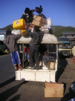 Our taxi-brousse, 18 people   2 babies for 1h30 from Ambavaniasy to Moramanga, pure Taxi-brousse experience