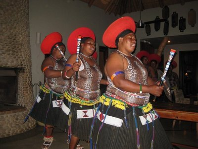 2-14.27 Thanda Zulu dancers