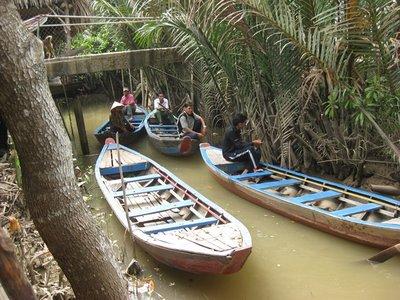 3-22.43 sampan on canal