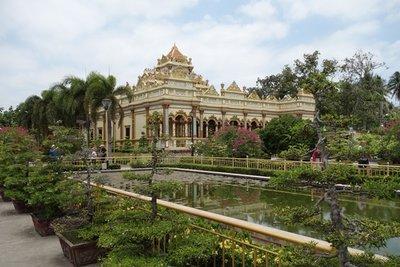 3-22r.1 Vinh Trang Pagoda