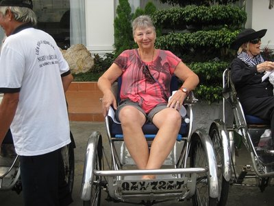 3-23.1 Pedicab ride