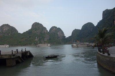 3-25r.2 Ha Long Bay