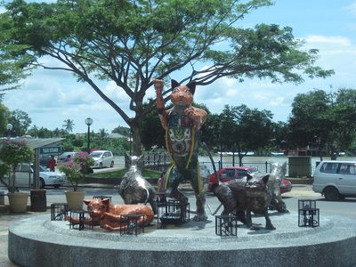4-23 (113) Kuching Cat Statue