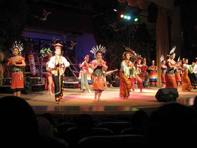 4-23 (83) Cultural dance
