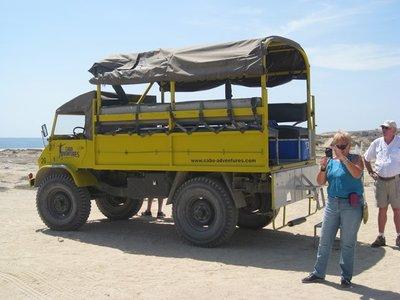 6-18 (37) Unimog truck