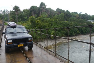 Jeep_en_Amazonia_Ecuador.jpg