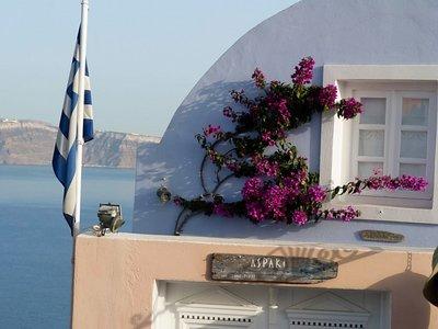 Santorini1.jpg