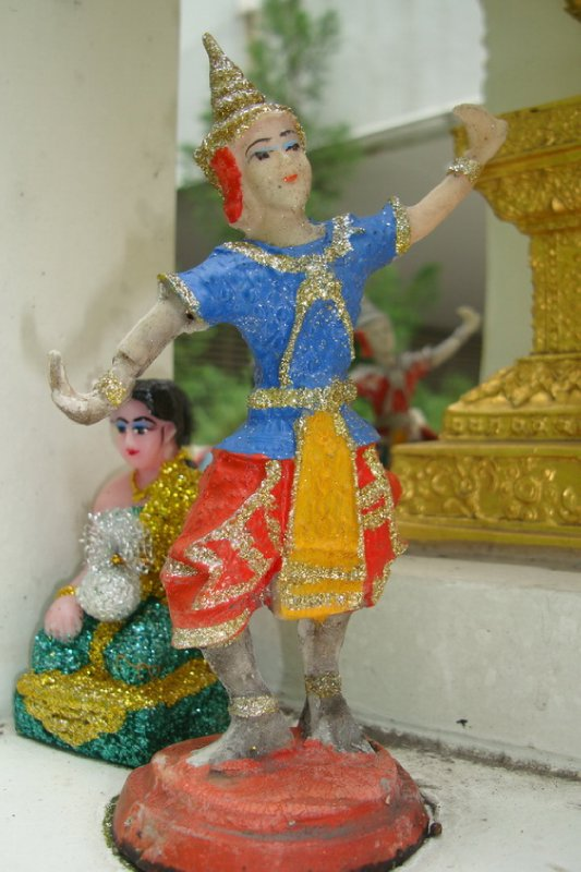 thailand-international-tours-thai-spirit-houses_19