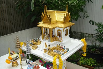 thailand-international-tours-thai-spirit-houses_04
