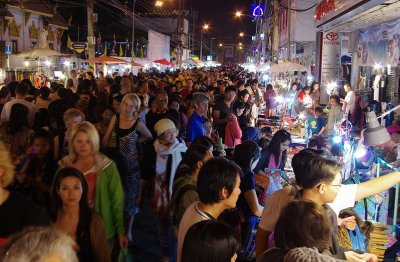 Crowds doing the Sunday shuffle in Chiang Mai