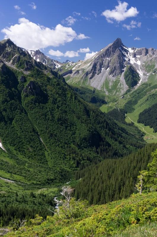 Col du Bonhomme from Tre la Tete