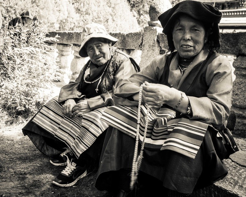Two Tibetan ladies in Norbulingka Park