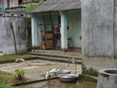 Street_view_Mai_Chau.jpg
