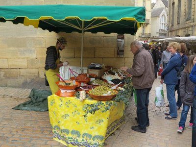 Sarlat - Olive Stand