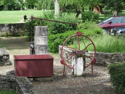 Brantome - Old water pump