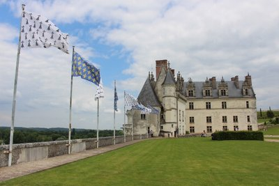 Amboise - Chateau view - Flags