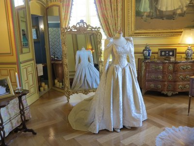 Cheverny - Chateau Owners wife wedding dress