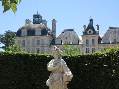 Cheverny - Chateau view from garden