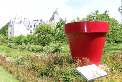 Chateau Rivau - Flower Pot