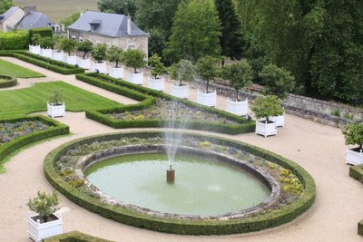 Chateau Usse - Garden Fountain