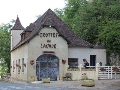 Lacave - Grottes Building