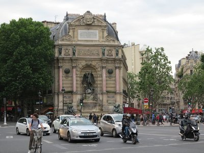 Paris - Place Saint-Michel