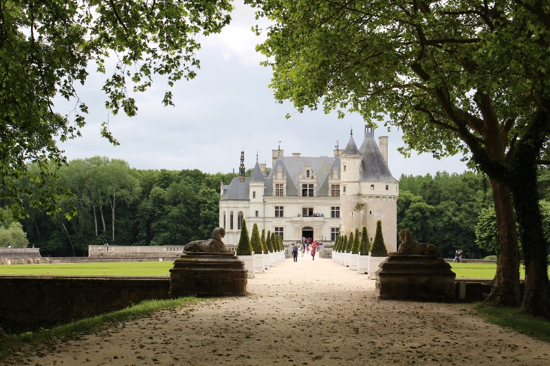 Chateau Chenonceau - Approach