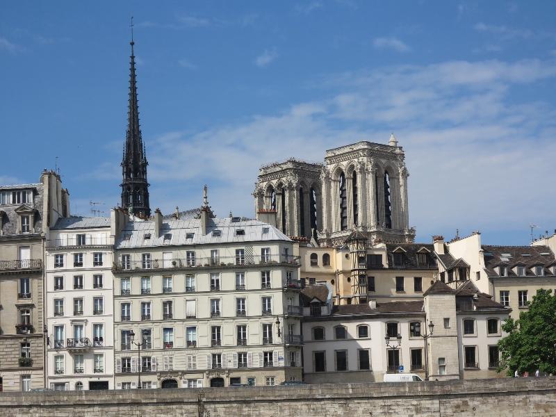 Paris - Batobus - Scenery