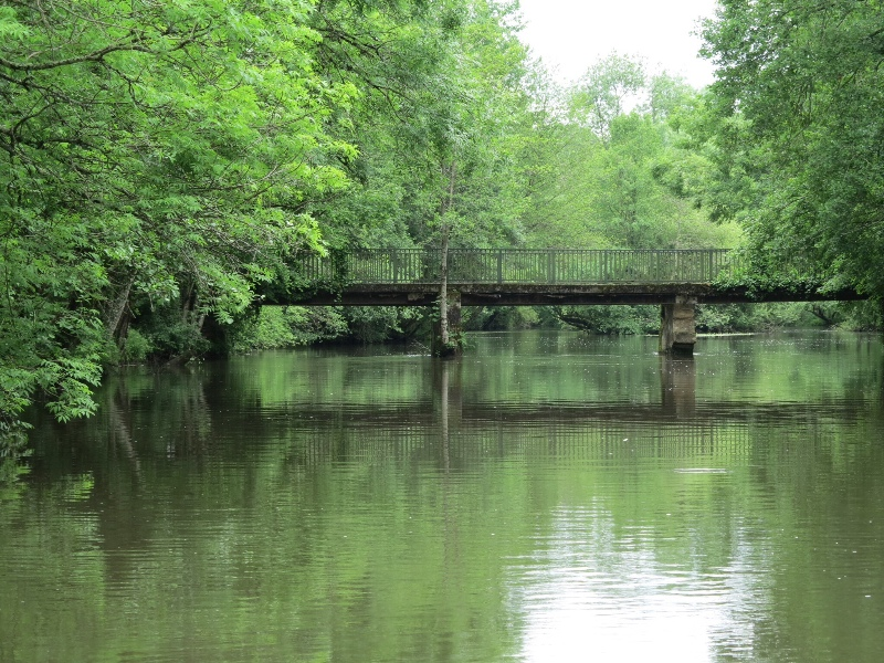 Brantome - Bridge over the river Dronne