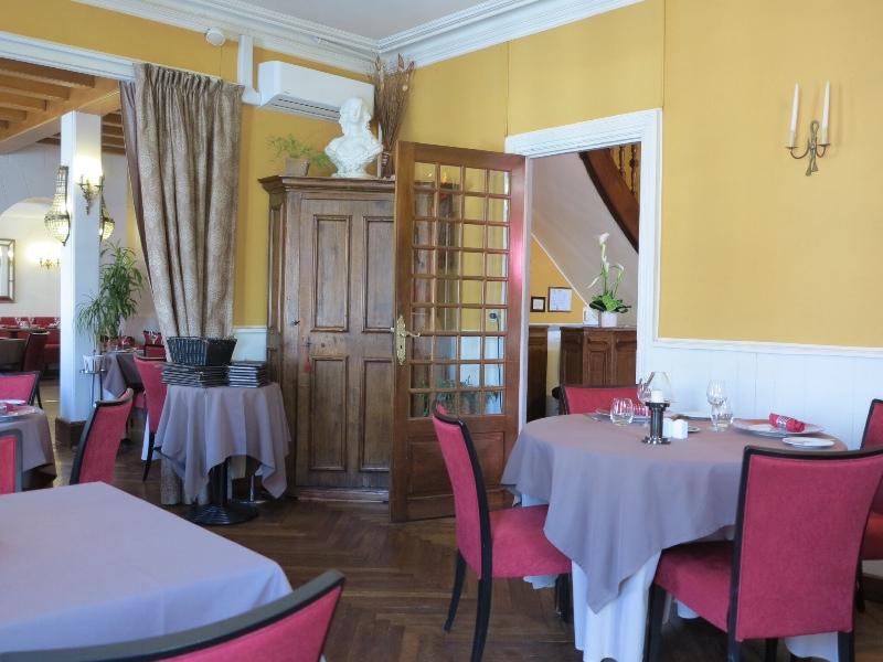 Amboise - La Breche dining room