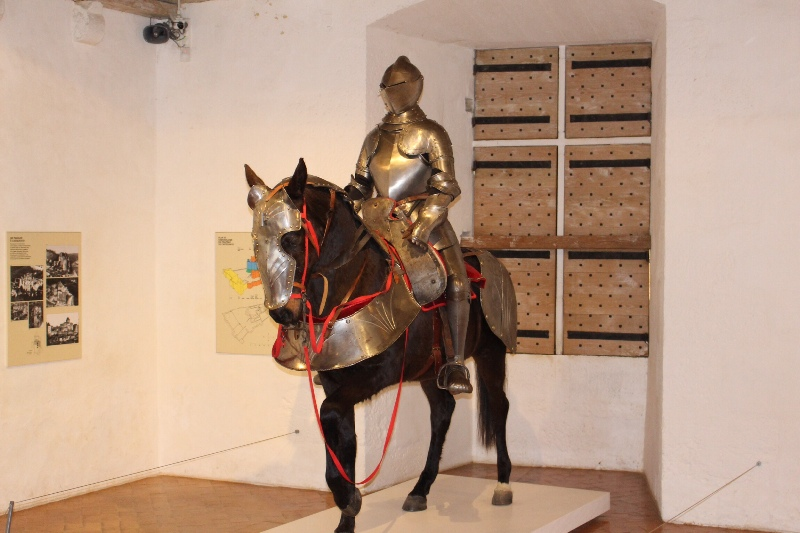 Castelnaud - Armored horse