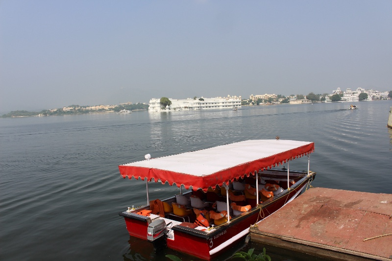 Tour boat on Lake Picholi