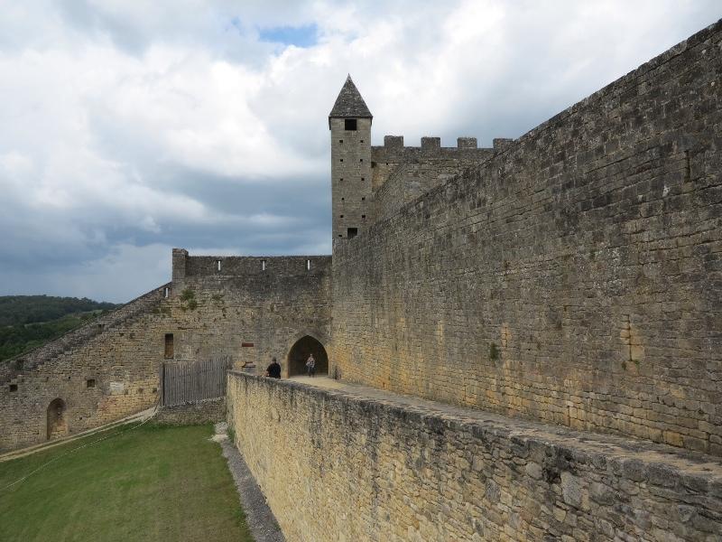Beynac - Chateau walls