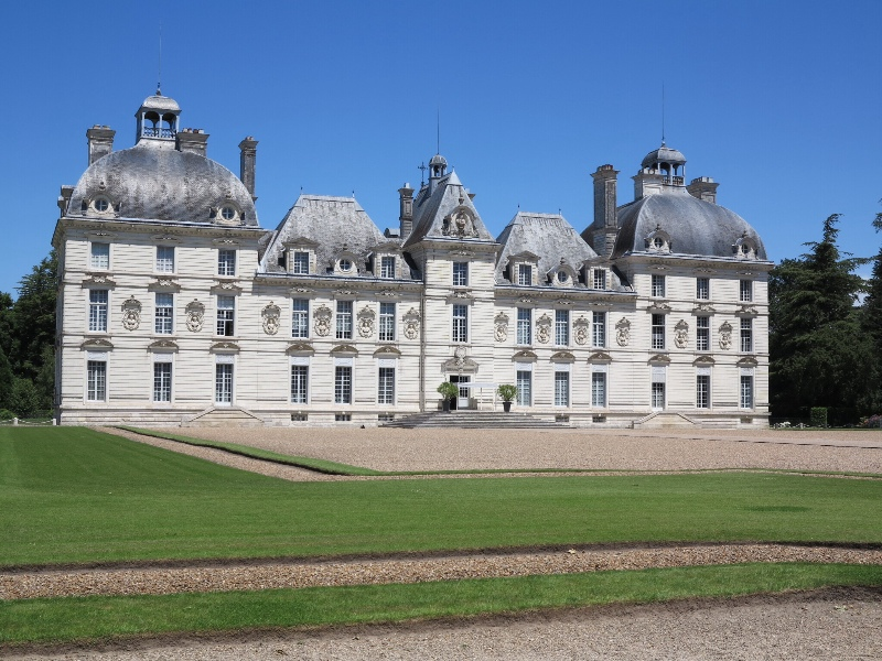 Cheverny - Chateau view from left side