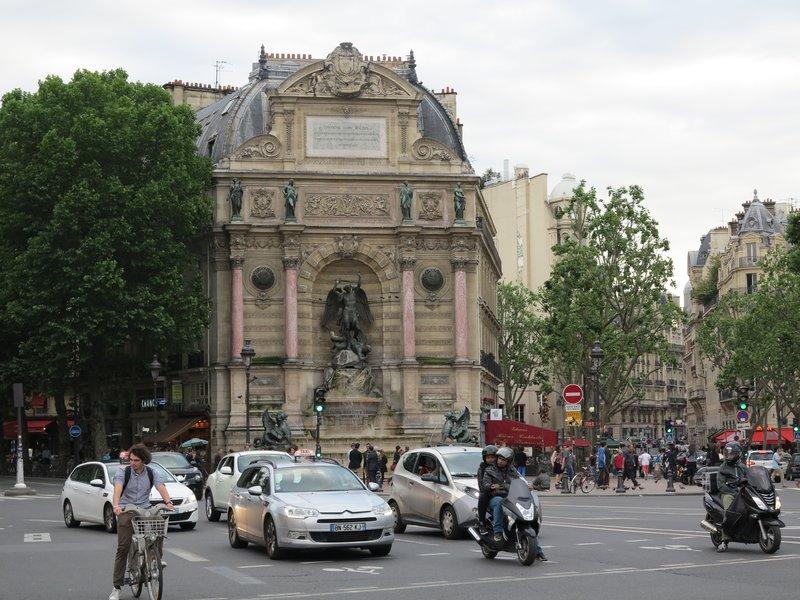 Paris - Place Saint-Michel