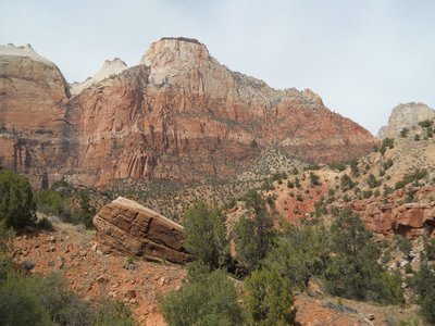 We have lots of pictures of red peaks in Zion...here's one more!