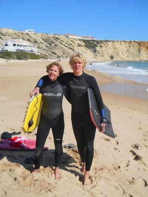 Mum gives bodyboarding a try!