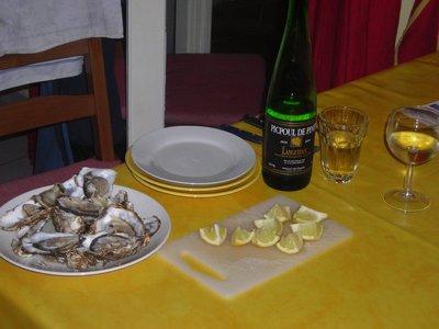 Picpoul, les huitres et les citrons...le repas de Nils.