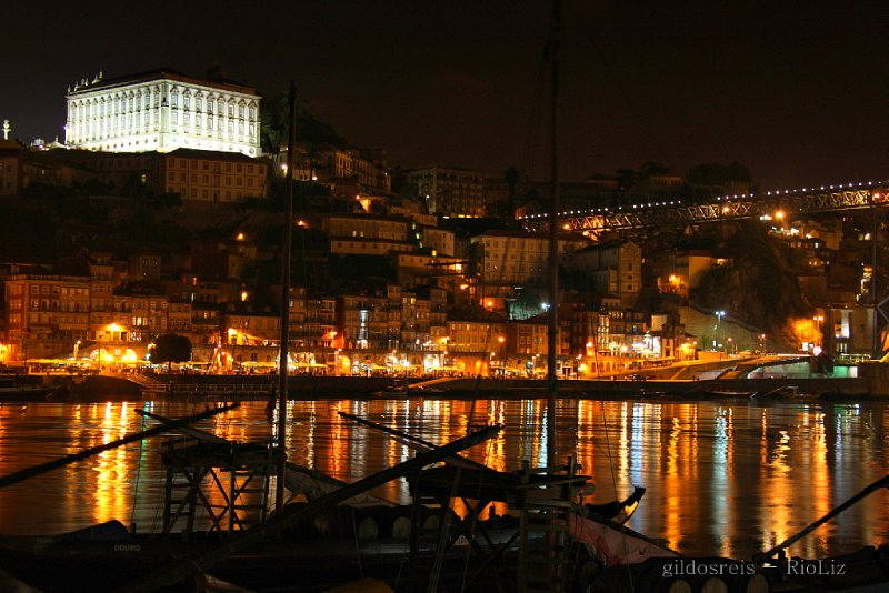 Oporto by night
