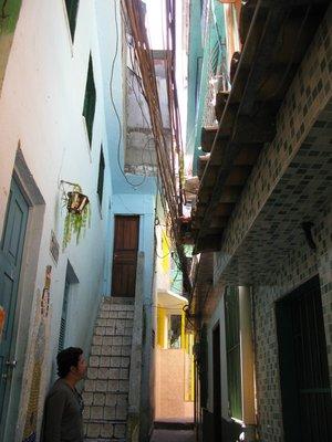 Midt i favelaen